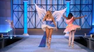 Doutzen Kroes Victoria's Secret Runway Walks 2005 - 2014 thumbnail