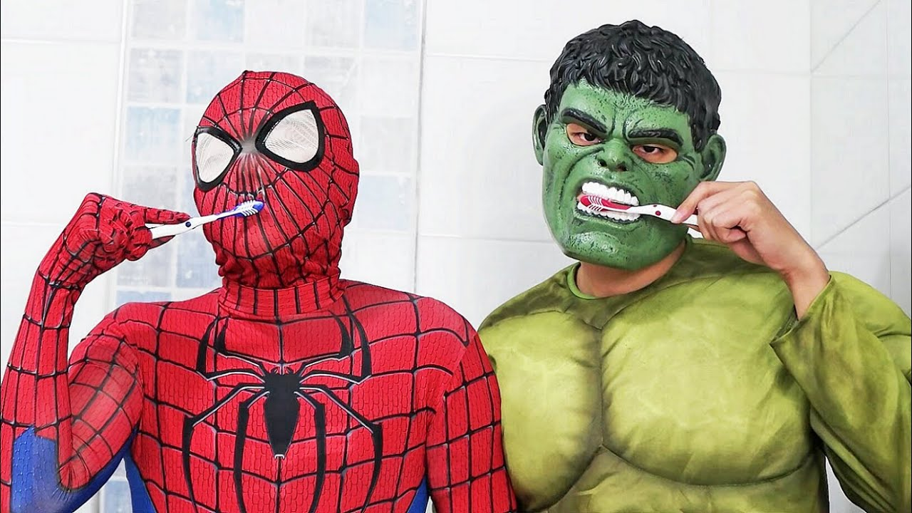 SPIDER-MAN and HULK İn Real Life
