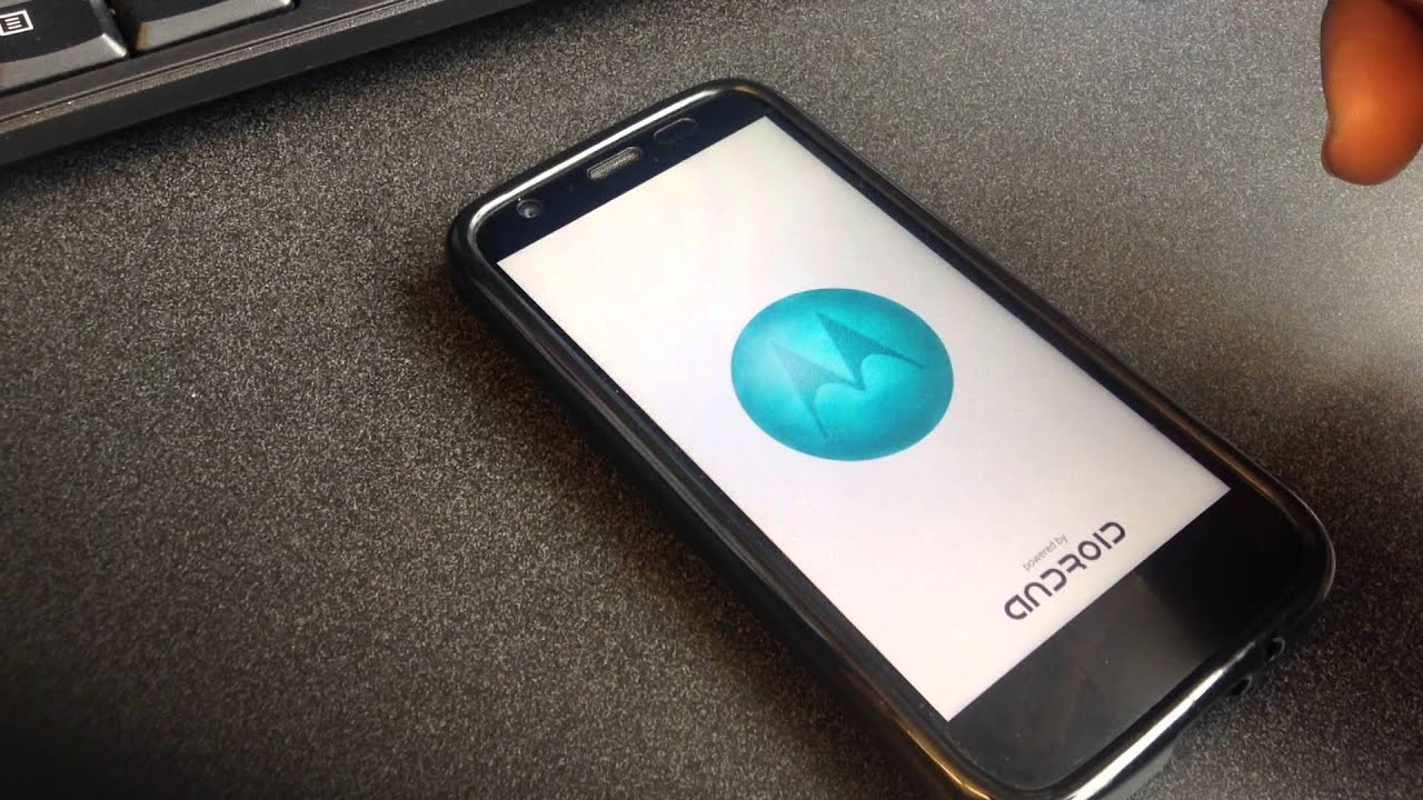Moto G shuts off on its own