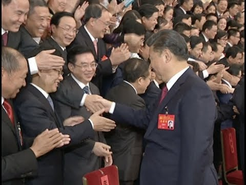 Xi Meets Delegates to 19th CPC National Congress