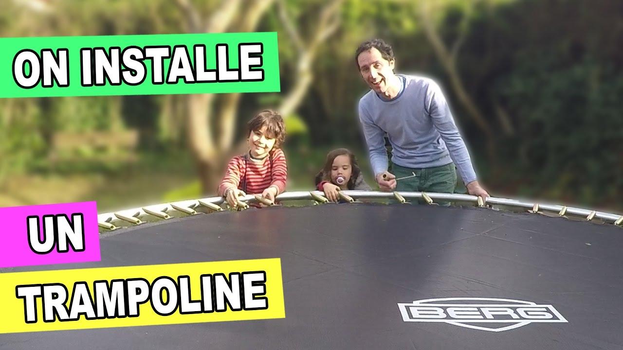 trampoline dans le jardin ouverture du colis montage d. Black Bedroom Furniture Sets. Home Design Ideas
