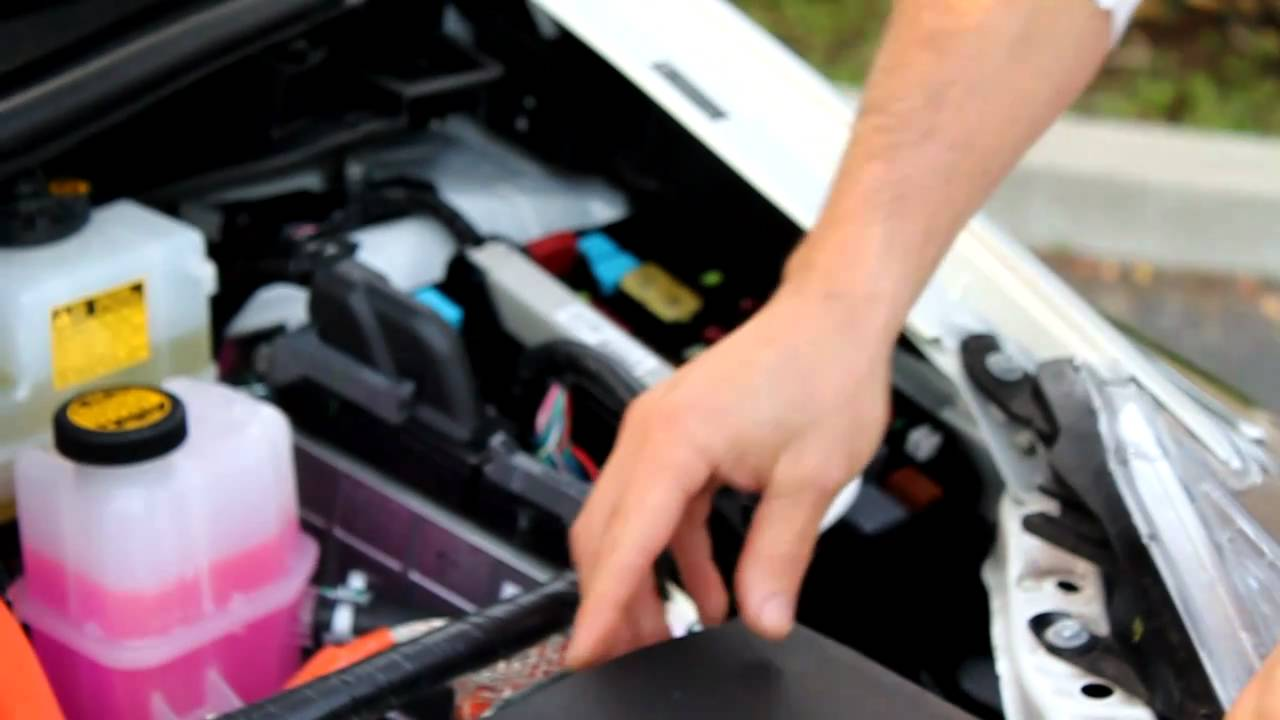 How To Jumpstart A Prius >> How To Jump A Prius Jump A Prius With Dead Battery Youtube