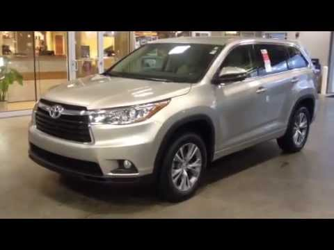 2015 toyota highlander le plus v6 review by ronnie barnes youtube. Black Bedroom Furniture Sets. Home Design Ideas