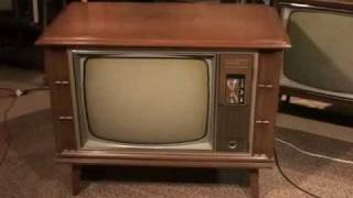 Watch a 1970 Zenith COLOR TV and news broadcast from Chicago!