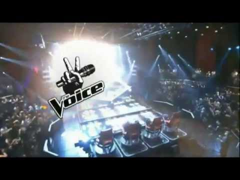 Crazy (Live) - Christina Aguilera, Adam Levine, Blake Shelton & Cee Lo Green