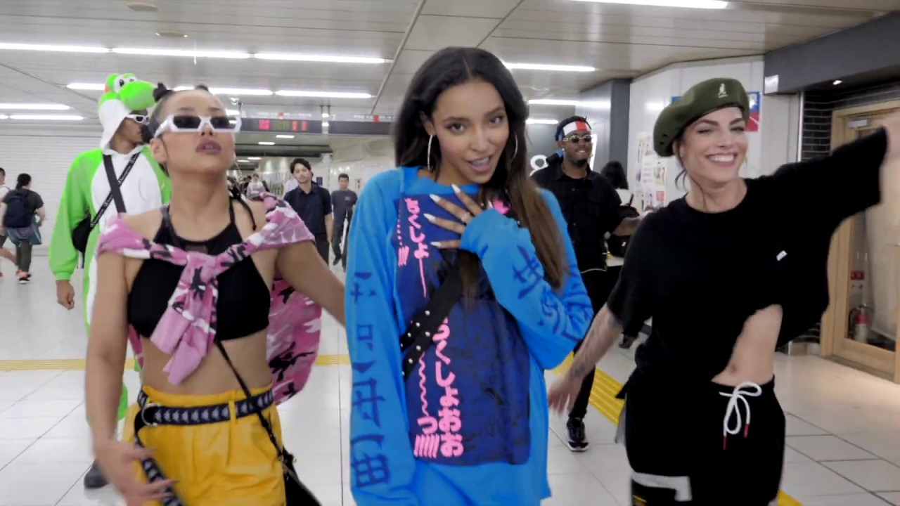 Tinashe -- SAVE ROOM FOR US (Tokyo Visual)