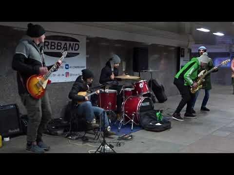 Уличные музыканты на Старом Арбате. / Toxicity - System Of A Down / музыка в метро /