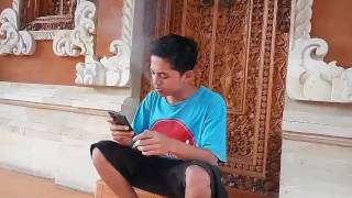 Video Lucu Dukun Kekinian versi Bali(Video ini mencritakan tentang dukun masa kini,dan jika ada didalam video ini yang tidak berkenan mohon di maklumi,tiada lain hanya menghibur masyrakat., 2016-05-31T15:23:03.000Z)