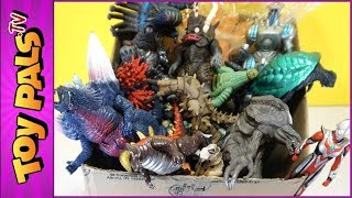 100+ KAIJU FIGURES: ULTRAMAN & GODZILLA Toy Collection - What's in the Garage Sale Box?