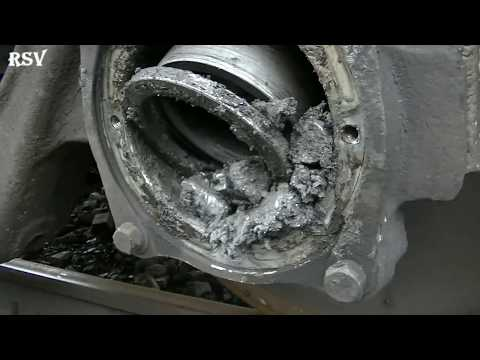 Горящая букса. Вагоны. The wheel pair is on fire. Wagons.