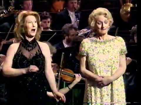 Dueto de Gatos (de Rossini) -  Pauline Tinsley y Elizabeth Vaugham - Año 1996.flv