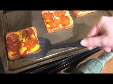"""how-to-make-""""mini-pizzas""""!"""