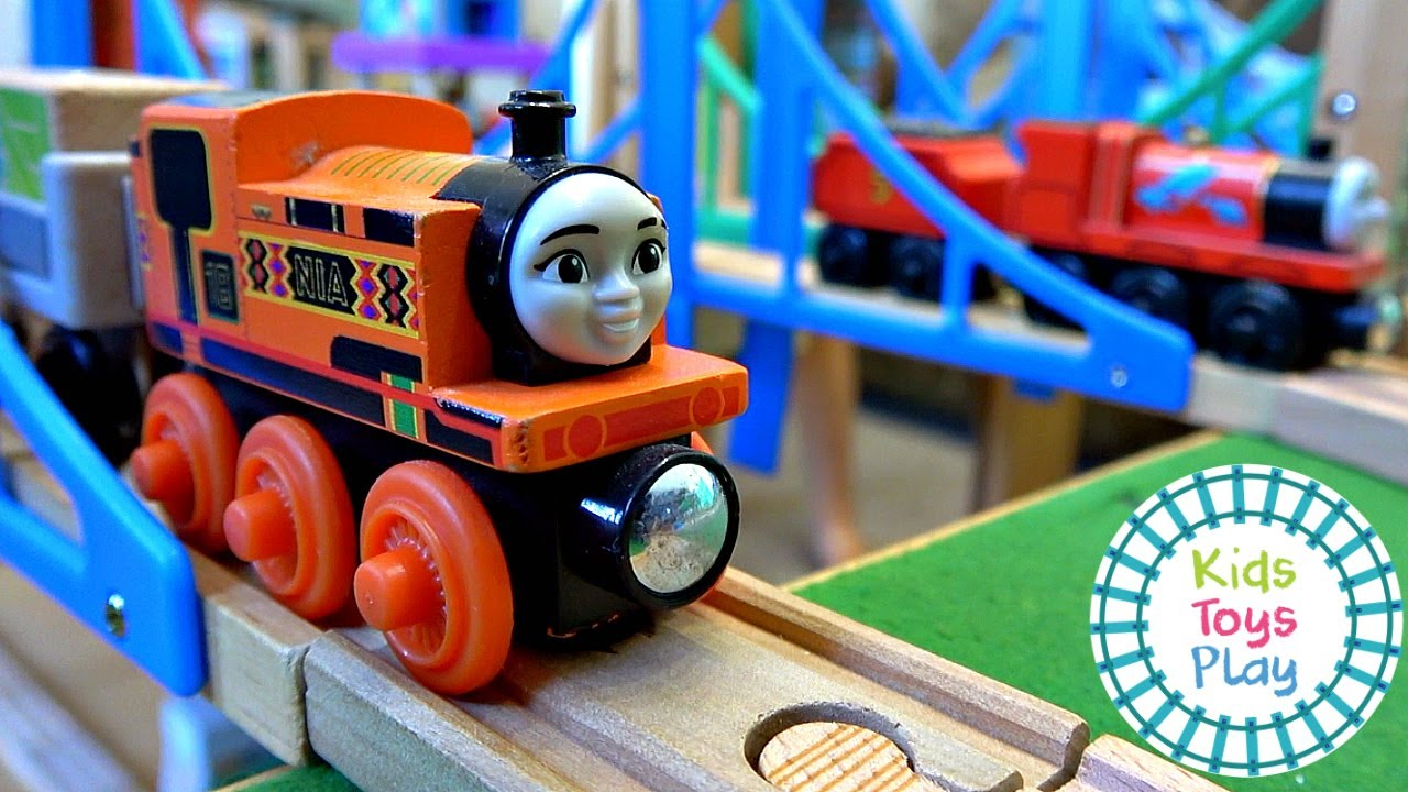 Thomas and Friends Wooden Railway Track Build Island of Sodor