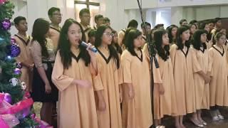 Persembahan Pujian Koor Remaja  pada Natal 26 Des 2015 (1)