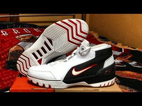 41e2448c4dd Nike Air Zoom Generation 1 (Lebron) Rookie
