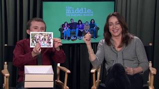 Скачать Patricia Heaton And Atticus Shaffer Go Through Middle Memories The Middle