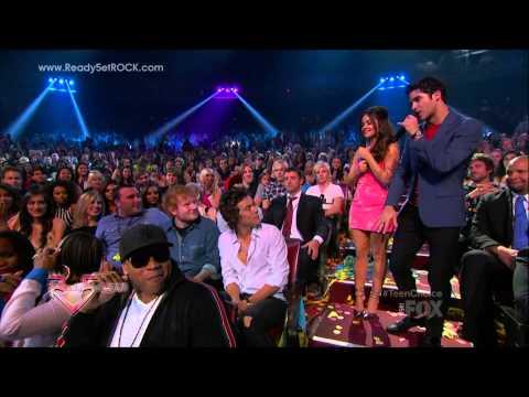 2013 Teen Choice Awards Clip
