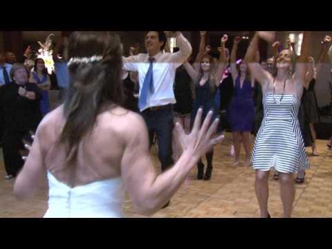 "Kelly Clarkson Flash Mob Wedding Surprise "" Bride Freaks out """