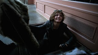 selina kyle caught shoplifting gotham 1x08 1 • 2