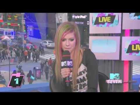 Avril Lavigne - Interview The Seven