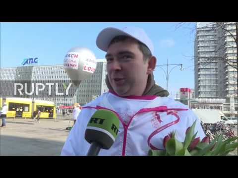 Germany: #MakeHerSmile flashmob held in Berlin on Women's Day