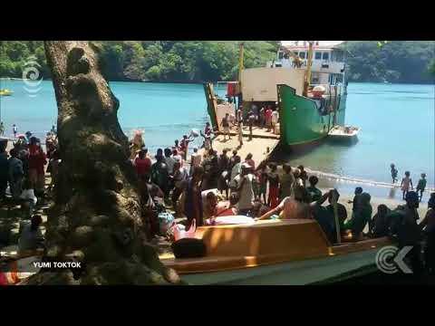 Mass evacuation from near eruption in Vanuatu