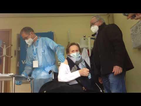 Ourense empieza a vacunar a los mayores de 80 años