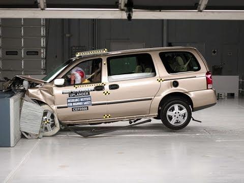 Chevrolet Uplander Moderate Overlap Iihs Crash Test
