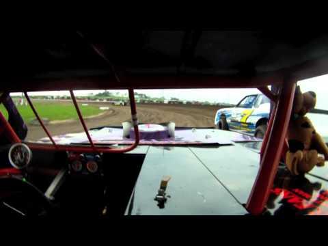 Cedar County Raceway - HEAT #32J Wayne Hora (June 14, 2011)