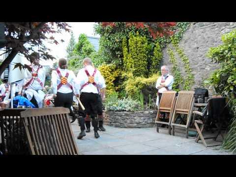 Cardiff Morris dance Idbury Hill at