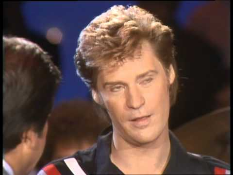Dick Clark Interviews Hall and Oates - American Bandstand 1982