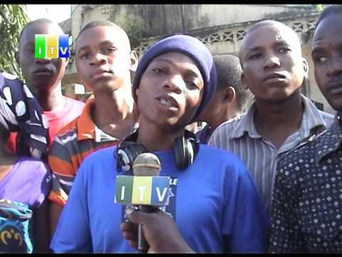 Download Wananchi waua mmoja baada ya kundi la Panya Road kuvamia msibani na kupora simu.