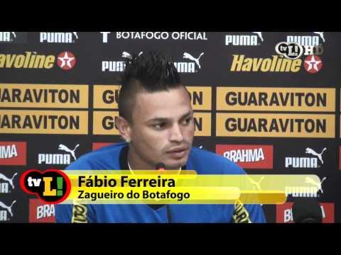 Fábio Ferreira é homenageado pelos 100 jogos no Botafogo