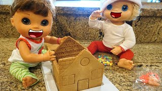 Video BABY ALIVE CHRISTMAS Pumpkin And Emily Make And Deliver A GINGERBREAD House! download MP3, 3GP, MP4, WEBM, AVI, FLV Januari 2018