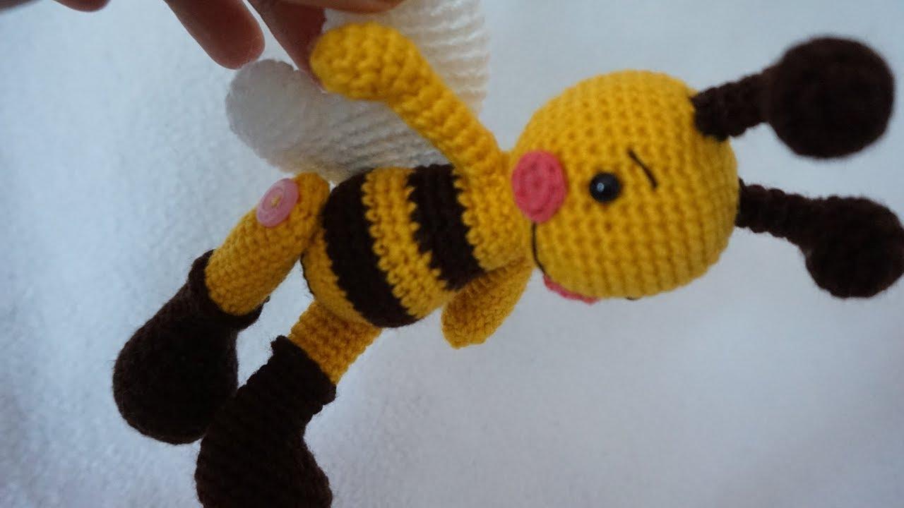 How to Crochet a Bumble Bee Amigurumi - Club Crochet | 720x1280