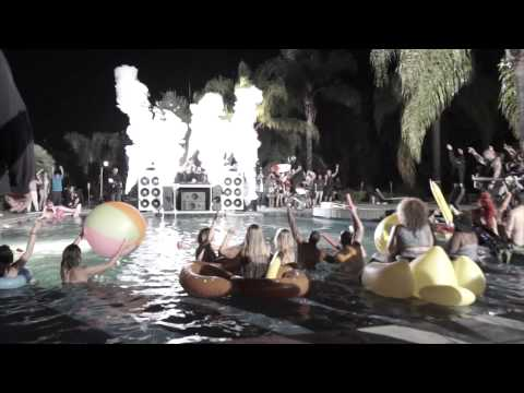 """CryoFX® - Behind the Scenes of the Filming of """"the Hum"""" By Dimitri Vegas & Like Mike"""