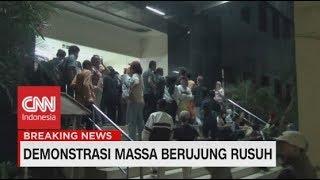 Jemput Anak, Ratusan Orang Tua Pelajar Datangi Polda Metro Jaya