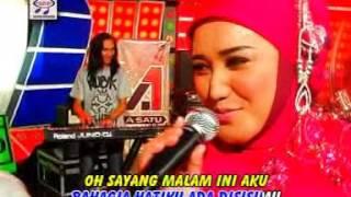 Gambar cover Evie Tamala - Sayang - OM.Monata (Official Music Video)