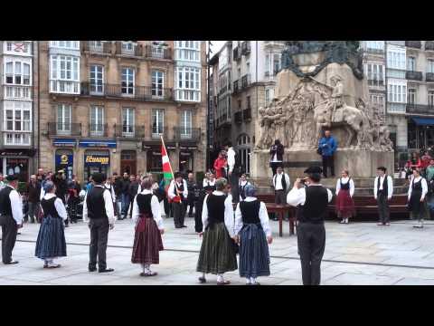 Vitoria Gasteiz Virgen Blanca Square   Basque music and dance   traditional costume