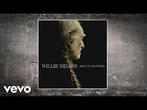 Watch Willie Nelson's Career-Spanning 'The Wall' Video – Premiere