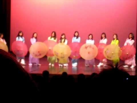 Northside Vietnamese Umbrella Dance 08-09