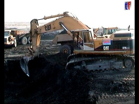 CAT 375 LME AND MORE - HEAVY EARTHMOVING HIGHWAY A38, LEIPZIG / GERMANY, 2003. #2 ***