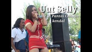 HOT!!!!!!  UUT SELLY LIVE PANTAI CAHAYA KENDAL SUKET TEKI1