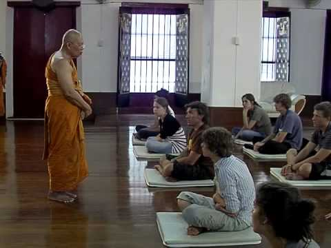 Insight Meditation Practice at Wat Mahadhatu, by Venerable M