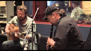 "ROY WILLIAMS & THE HUMAN HANDS PERFORM   ""SLEEPY MIKE"""