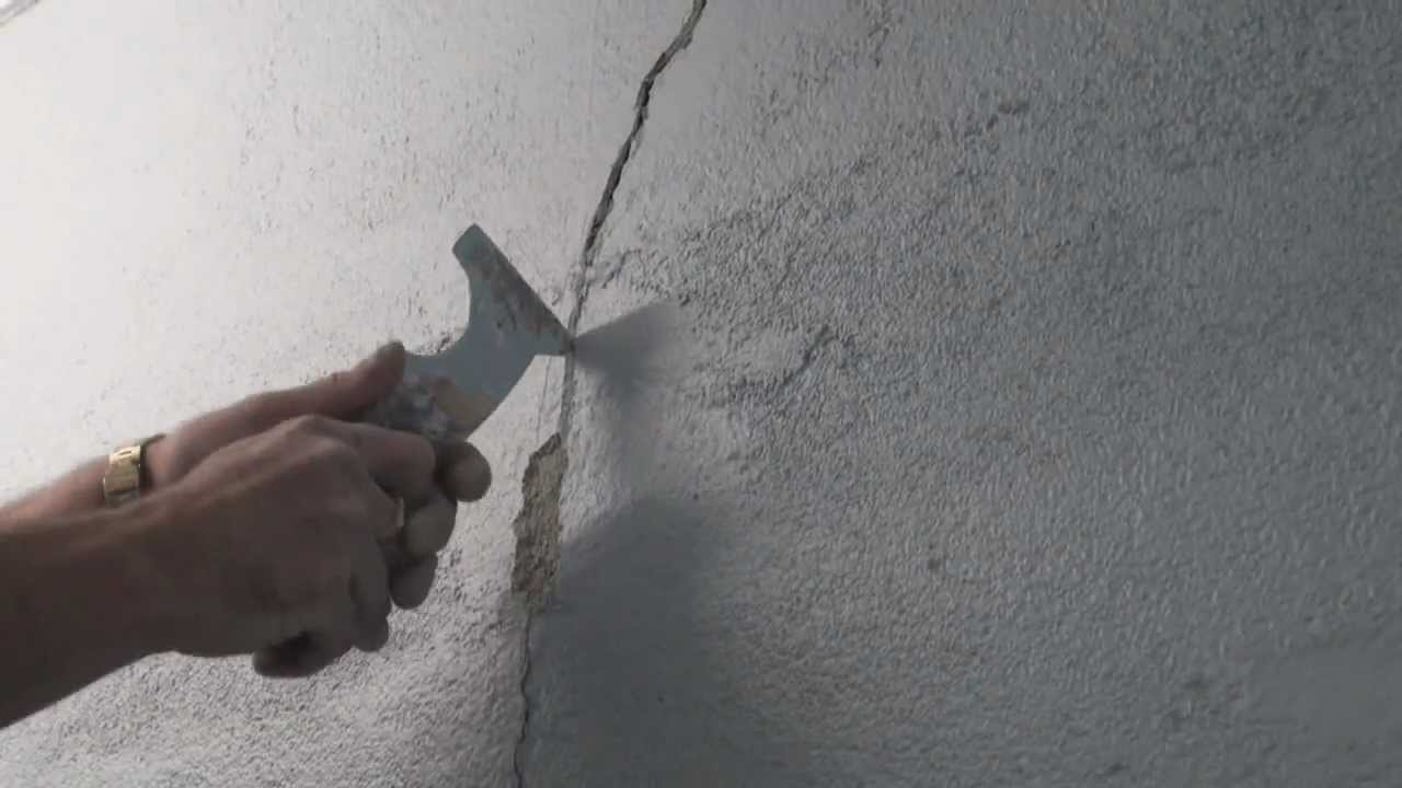 fix cracks in plaster wall corners