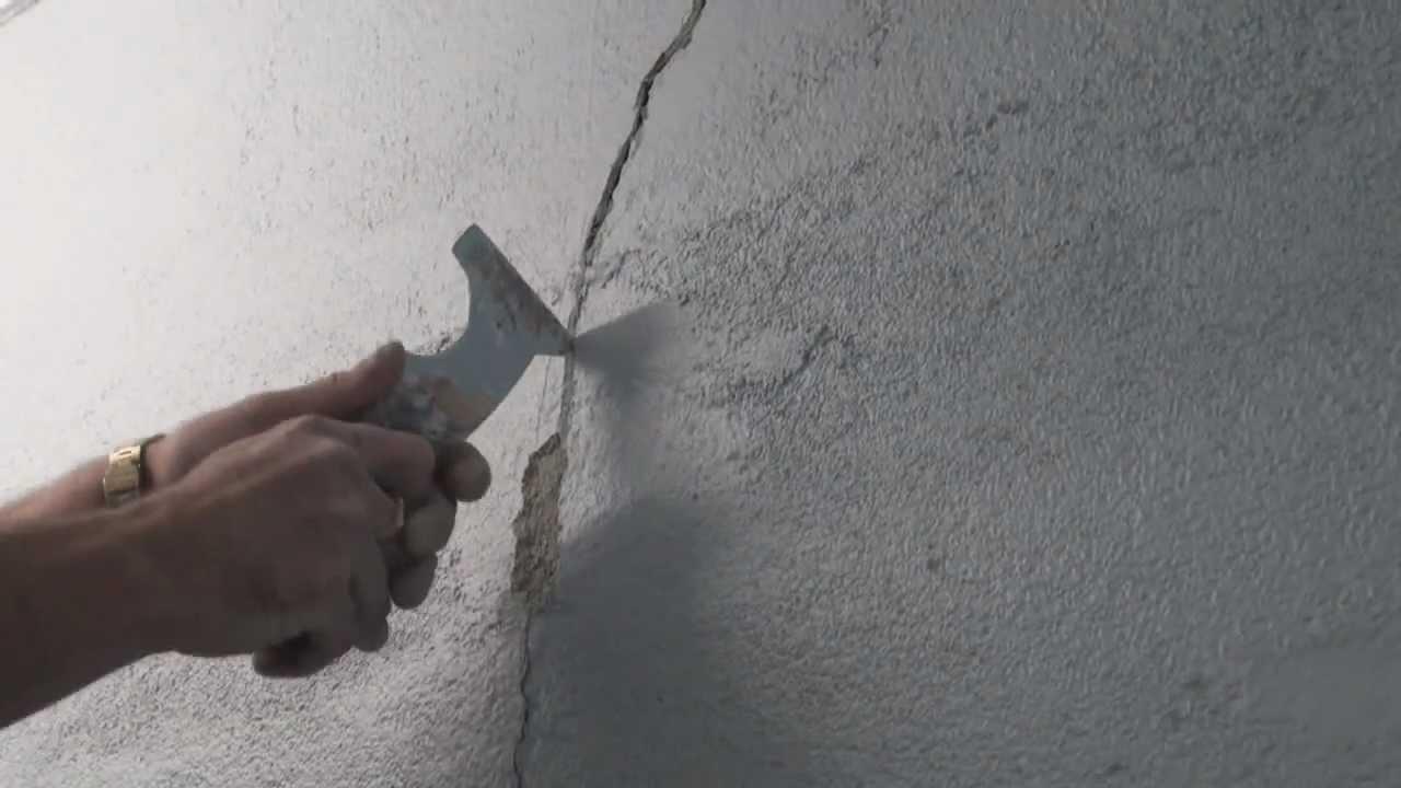 How to repair cracks in rendered walls