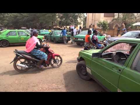 Burkina Faso: Street of Ouagadougou ブルキナファソ:ワガドゥグの街