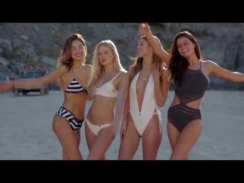 Alessia Marcuzzi Backstage Calendario.Calendario Modelle 2 Br Iframe Title Youtube Video Player