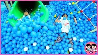 หนูยิ้มหนูแย้ม   เล่นบ้านบอล Indoor Playground Kidzooona สาขาเมกาบางนา